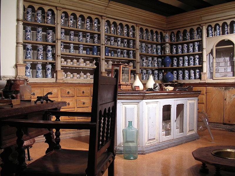 farmacia antigua en museo de teruel