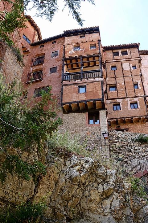balcones colgados en Albarracín