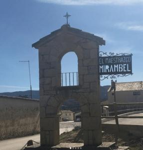 cartel de entrada a Mirambel