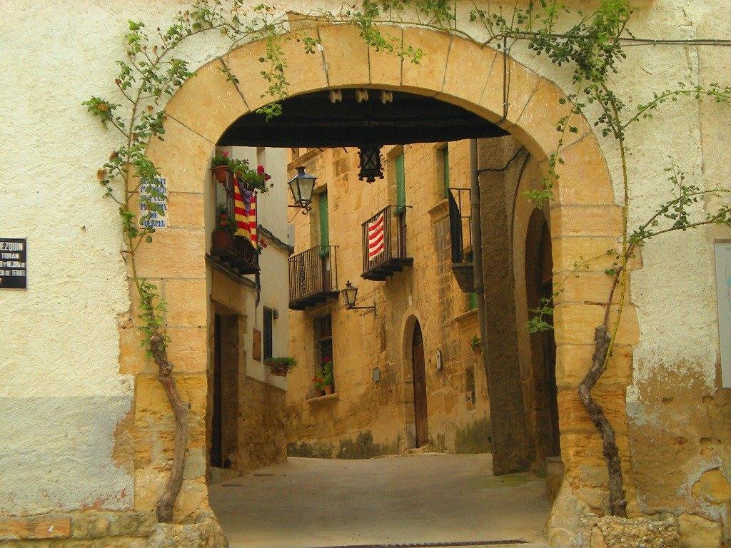 portico acceso belmonte de san josé