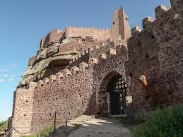puerta de acceso castillo de peracense