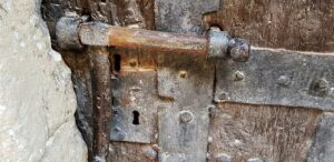 cerrojo puerta cárcel peñarroya de tastavins