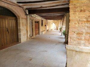 porticos plaza mayor de Molinos