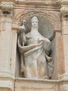 estatua san nicolás en molinos